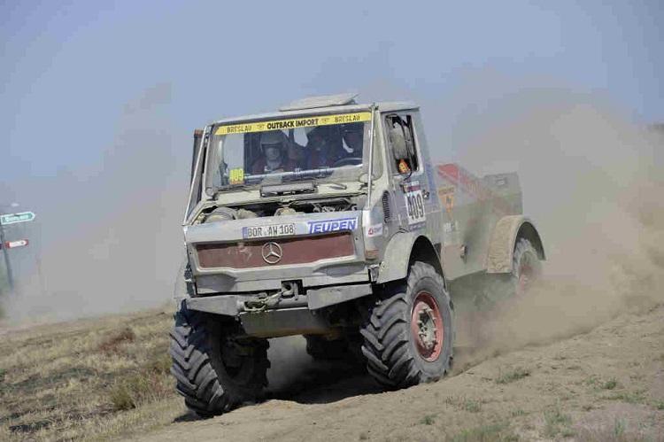 immortal vehicles desert 17