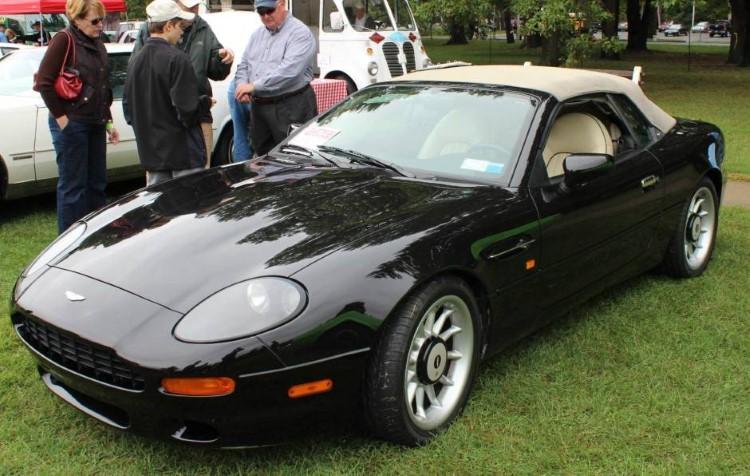 90'ların en iyi arabaları Aston Martin DB7