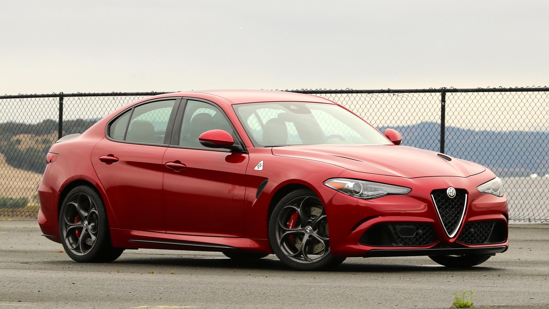 19-Alfa-Romeo-Quadrifoglio