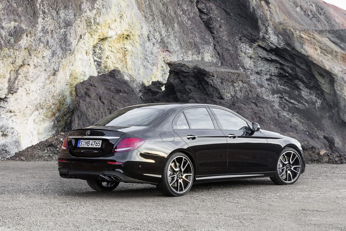 4-Mercedes-Benz-AMG-E43