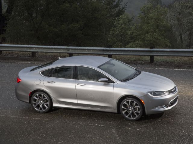chrysler_200c