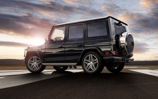 14-Mercedes-Benz-G-Class