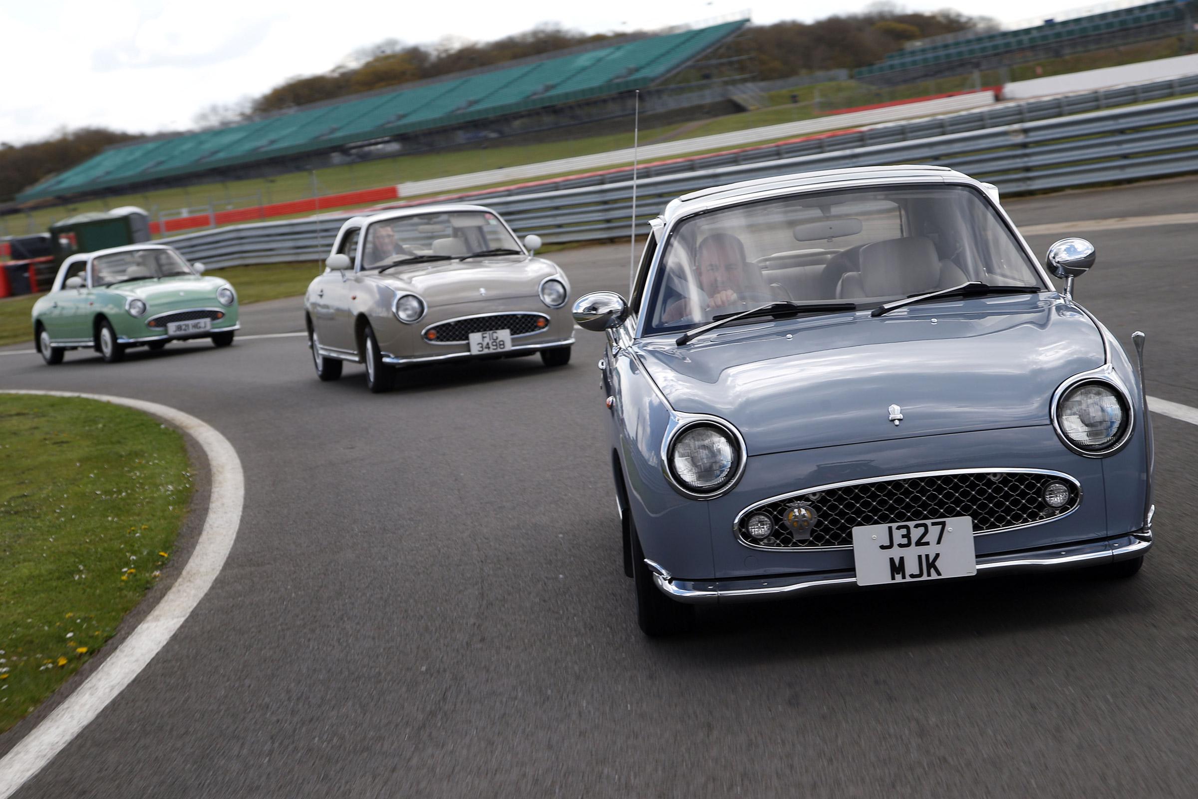 17-Nissan-Figaro