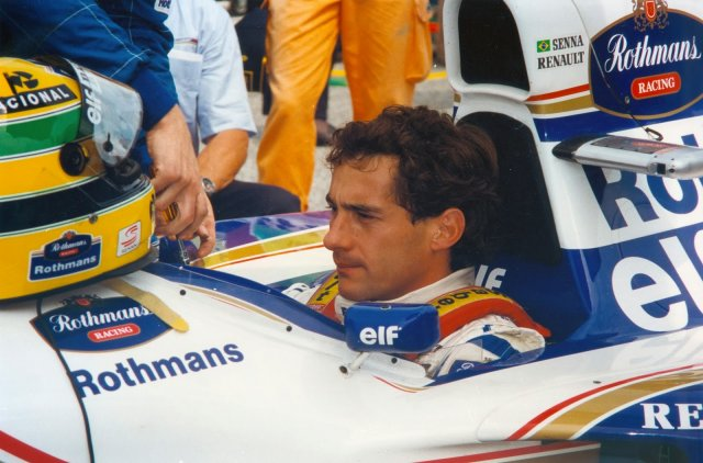 Ayrton-Senna-Iconic-Moment-14