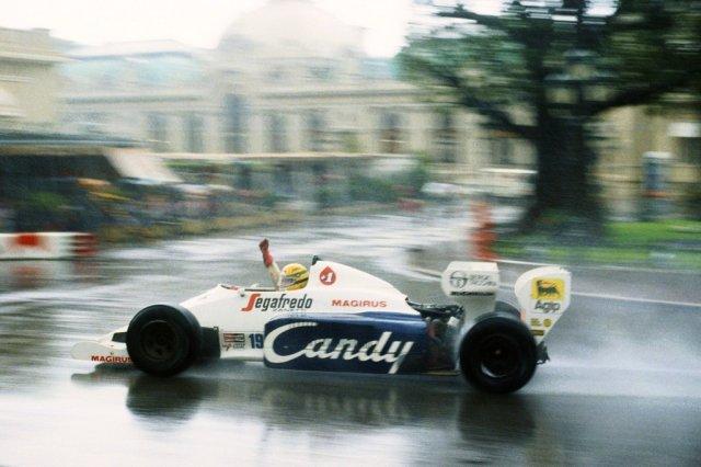 Ayrton-Senna-Iconic-Moment-2