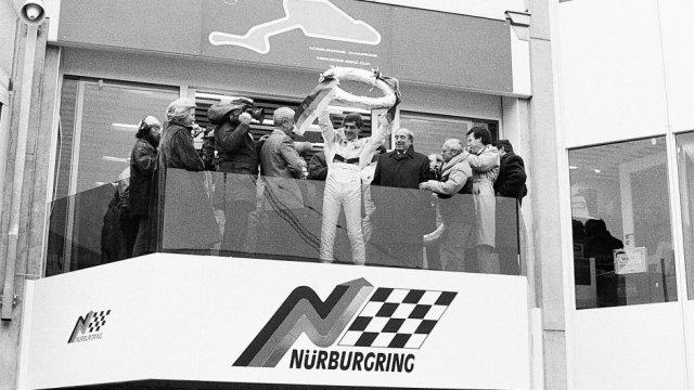 Ayrton-Senna-Iconic-Moment-3