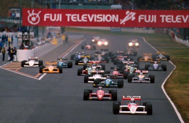 Ayrton-Senna-Iconic-Moment-6