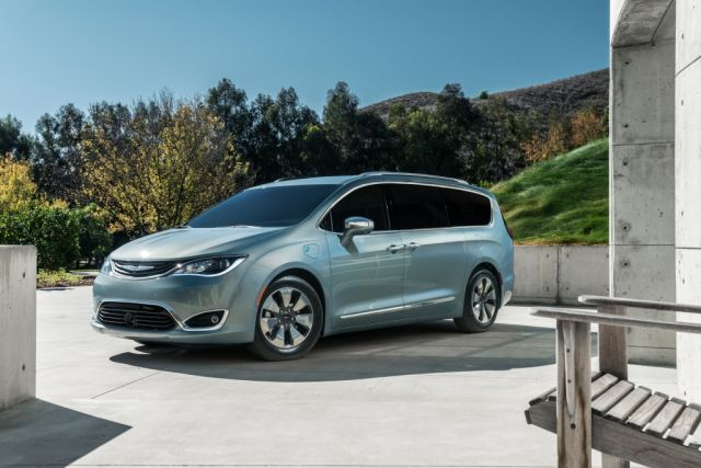 chrysler_pacifica_hybrid_2