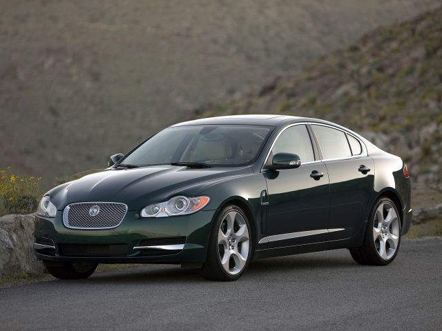 Jaguar_XF_2009