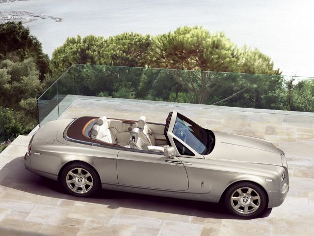 rolls-royce_phantom_drophead_coupe_3